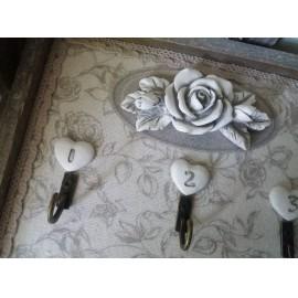 Kulcsos tábla fa keretben