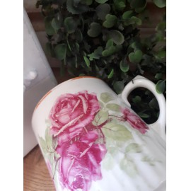 Pajzspecsétes, nagy rózsás Zsolnay bögre